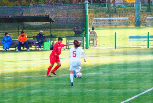 サッカー写真撮影で手前のネットを消す