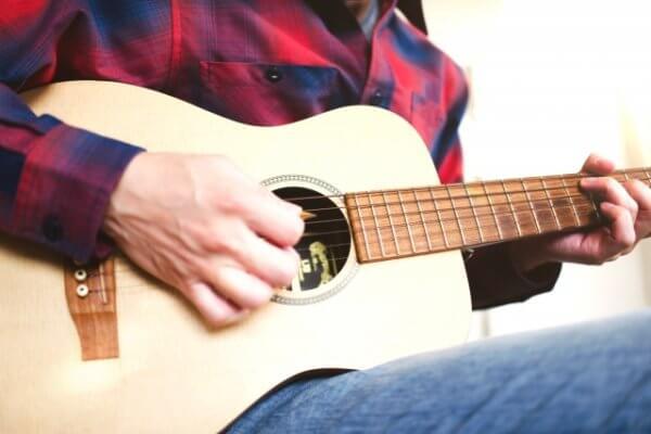 ギターに向いてる人向いてない人ってある?練習すれば誰でもうまくなる?